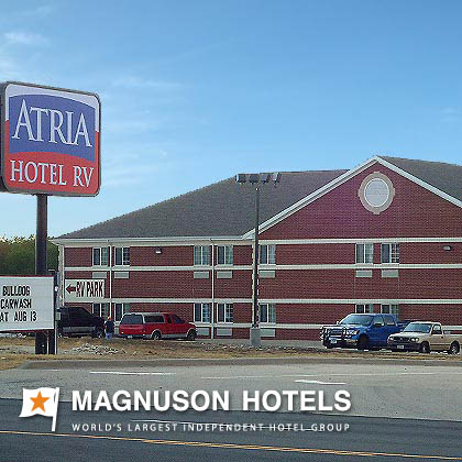 Atria-Hotel-and-RV-McGrego-Exterior-1