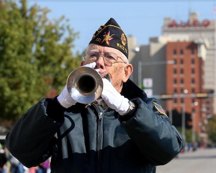 Veterans-Day-Parade-11-11-14-05