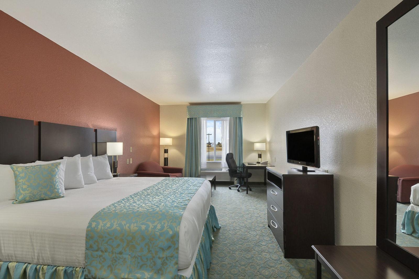 24633 Guest Room 1