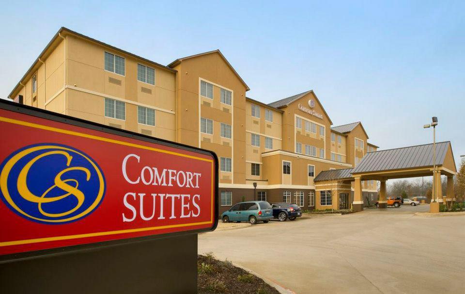 comfort suites north waco the heart of texas. Black Bedroom Furniture Sets. Home Design Ideas