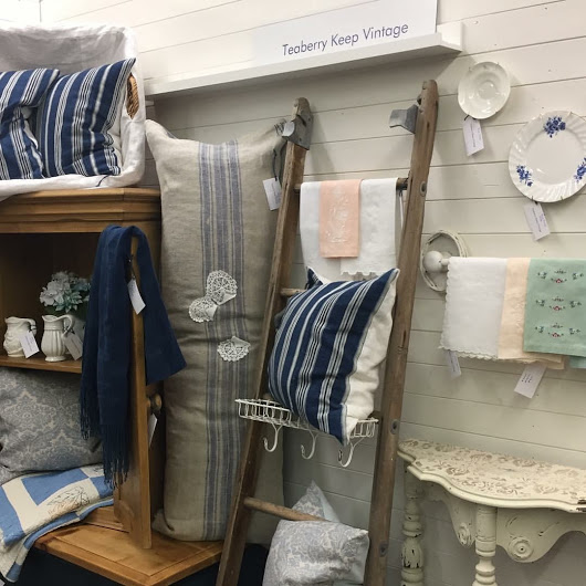 Teaberry Keep Vintage located in Craft Gallery